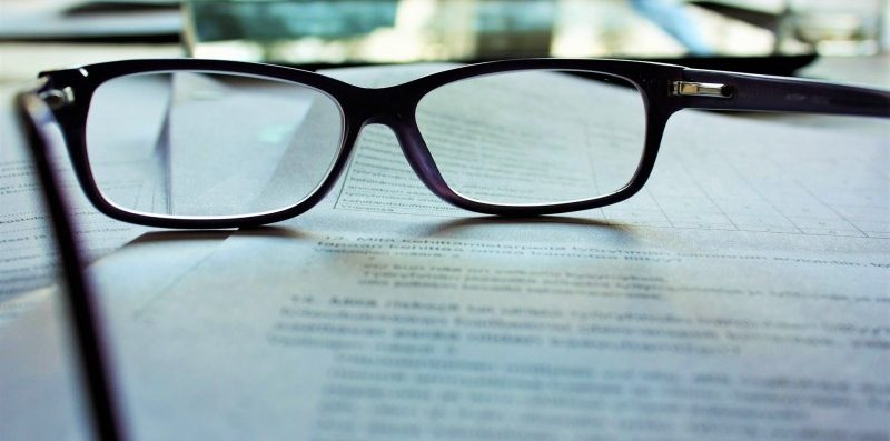 dokumenty, okulary