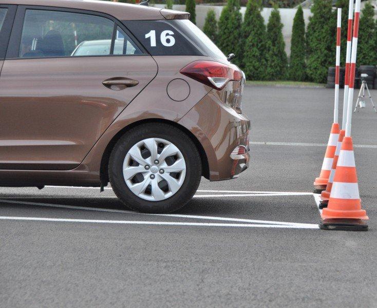 samochód egzaminacyjny