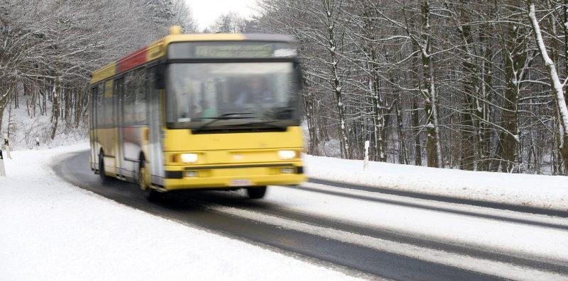 jadący autobus