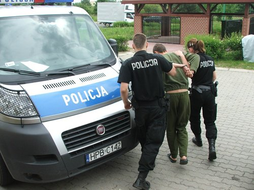 aresztowanie mężczyzny przez policję
