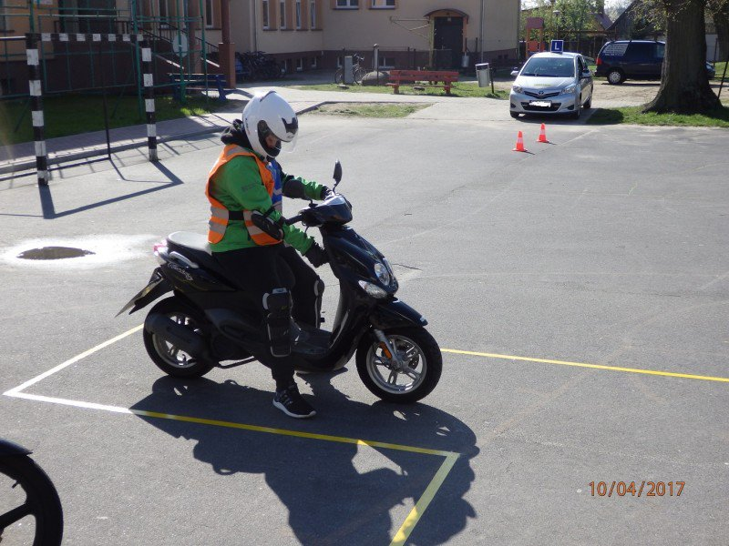 nauka jazdy na skuterze