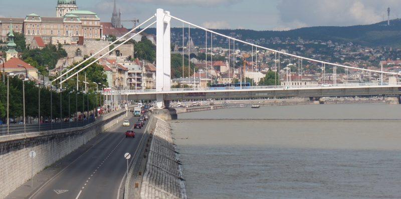 Budapeszt, most wiszący