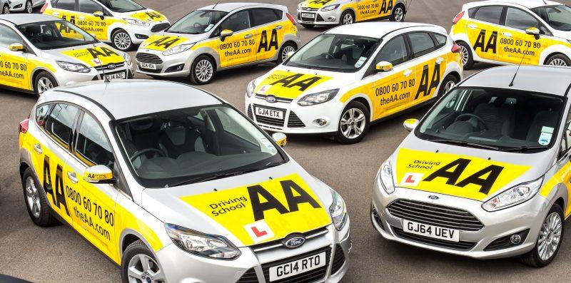 szkoła jazdy w Wielkiej Brytanii, samochody szkoleniowe