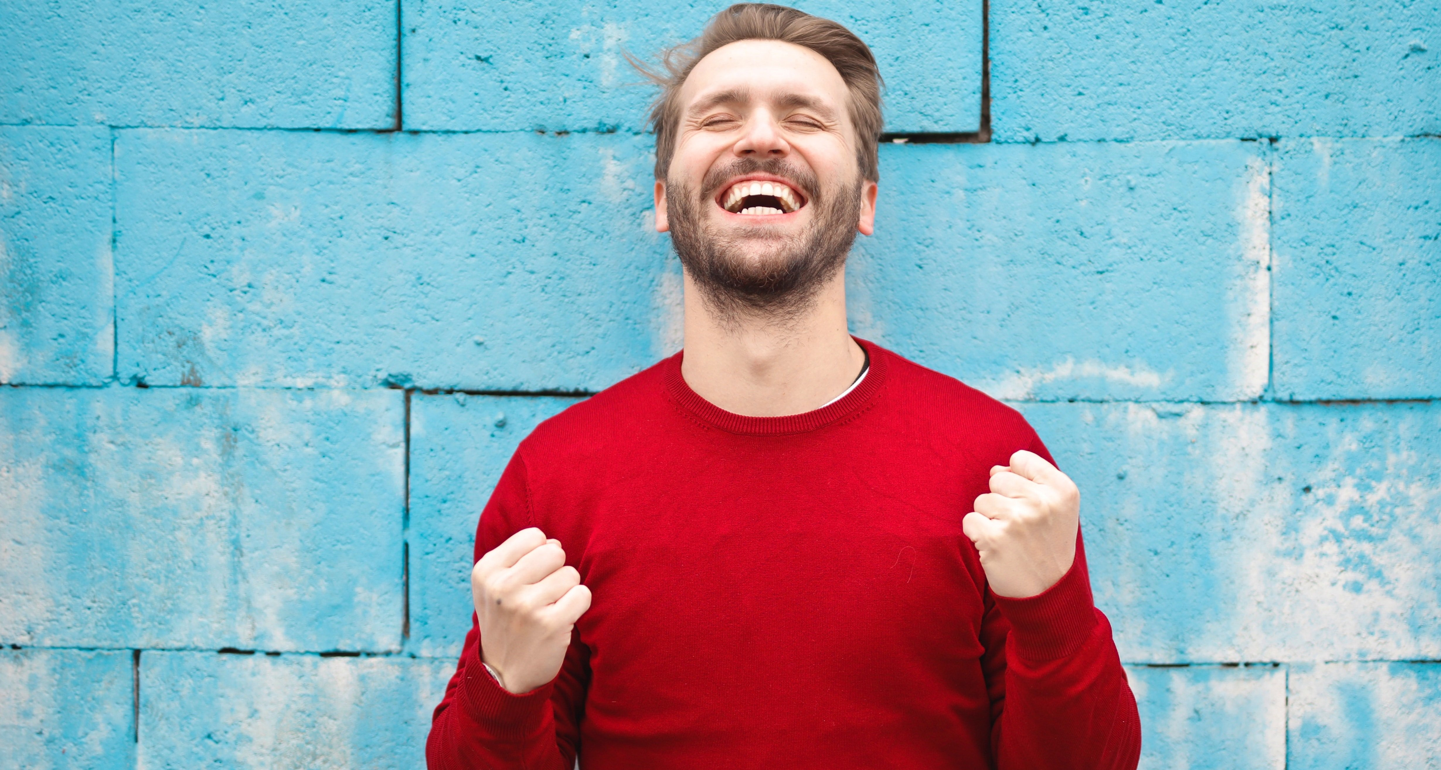 szczęśliwy mężczyzna